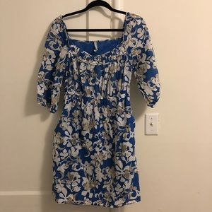 Old Navy M blue & white floral 3/4 sleeve dress